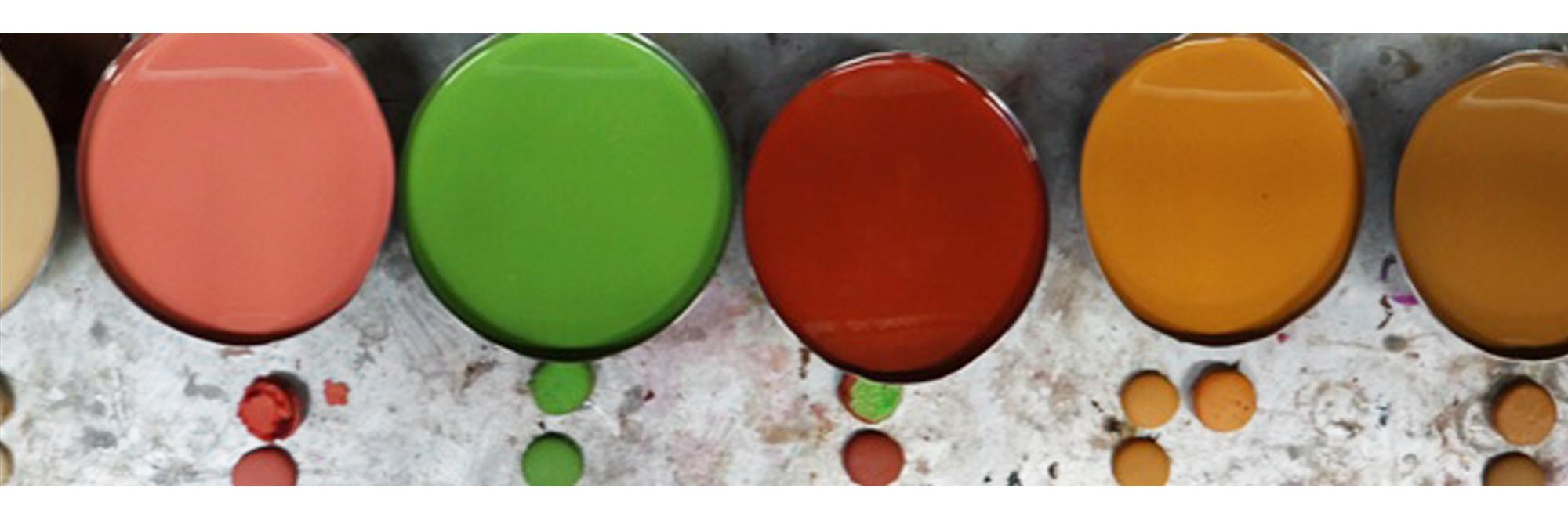 recherche des teintes sur-mesure des macarons factices de l'atelier Cobalt Fx par rapport aux produits frais des clients