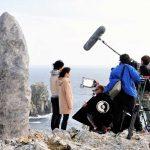 création et sculpture d'un décor de menhir pour le cinema lors d'un tournage films en bretagne