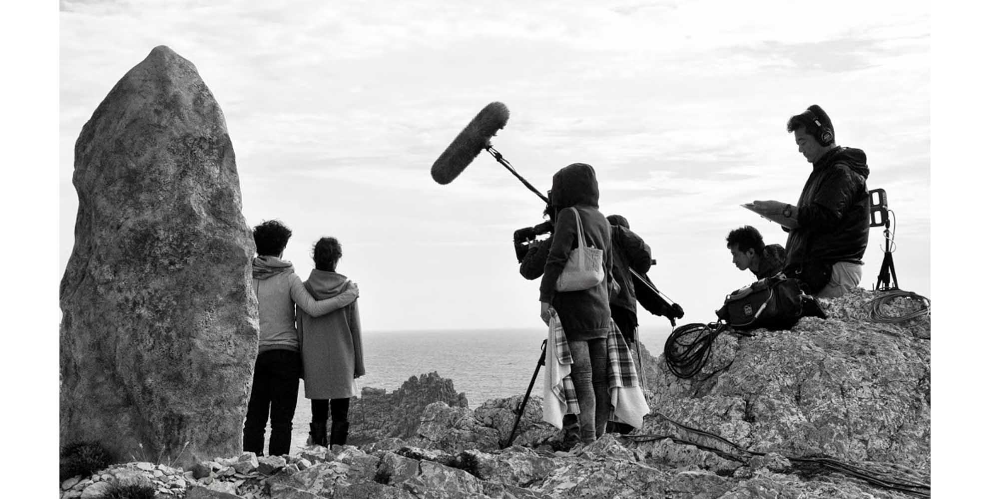 création d'un décor de menhir breton à l'atelier Cobalt Fx comme accessoire de décor de cinéma