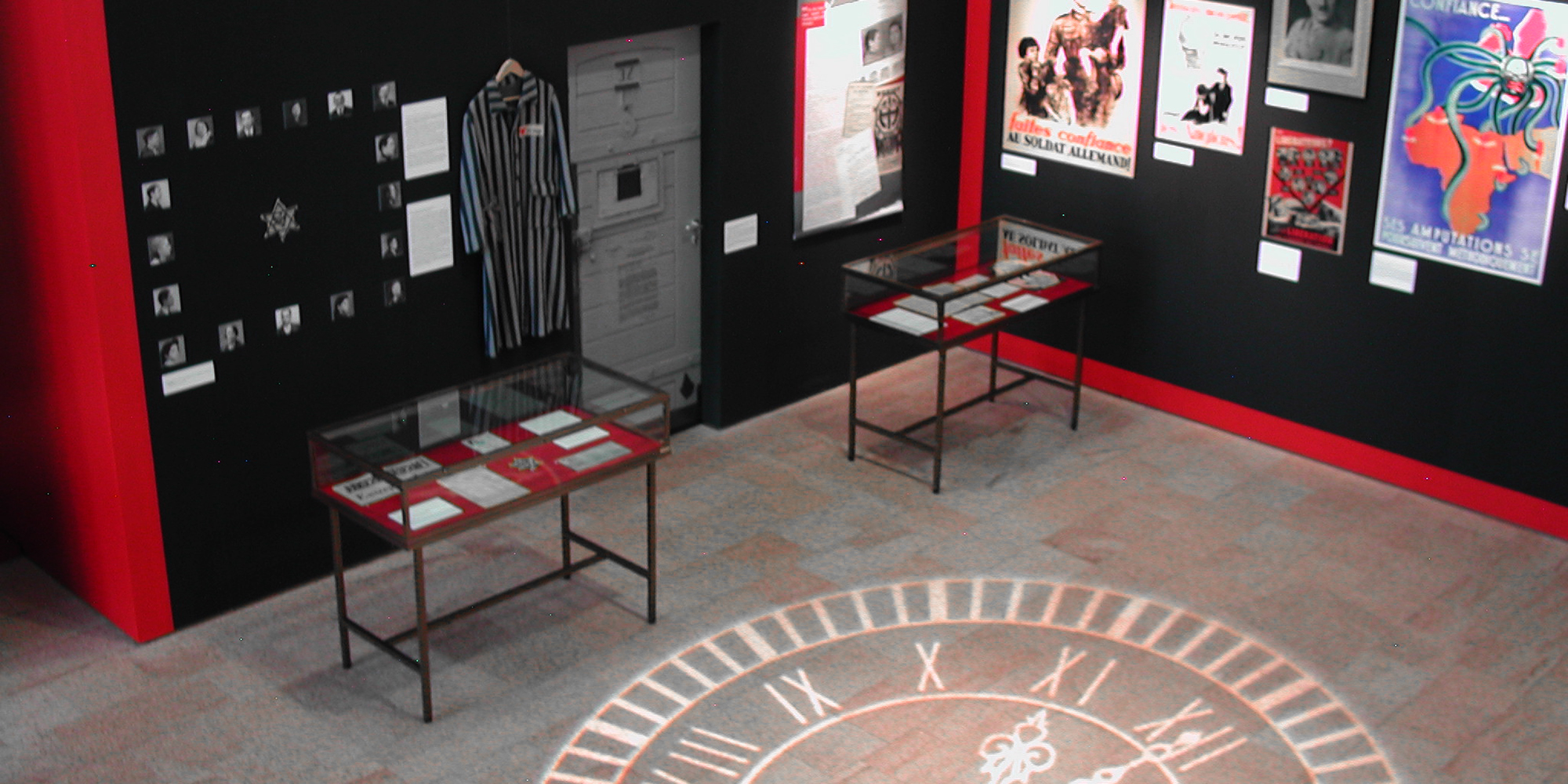 décor et scénographie d'exposition avec effets de projection de découpe gobos lumière