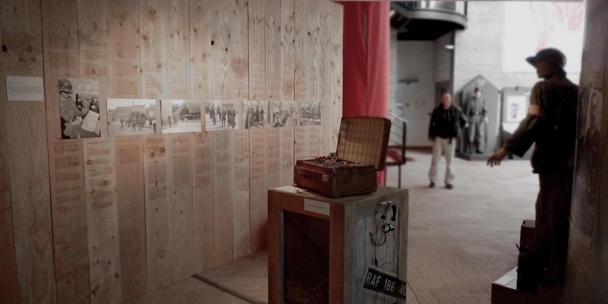 Scénographie de l'exposition Le Morbihan dans la tourmente