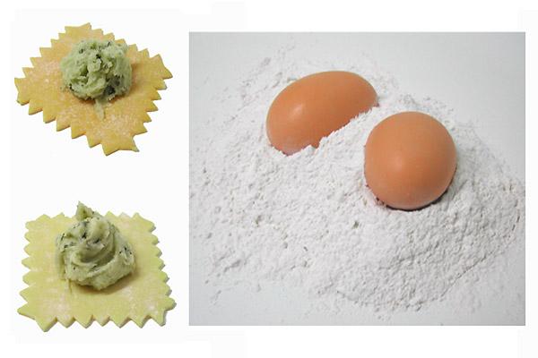 pâtes factices raviolis frais et faux œufs en résine avec farine factice
