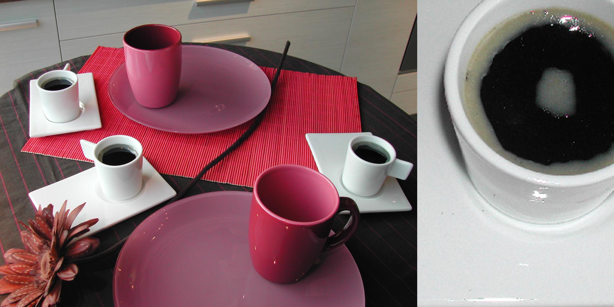 Factices de café expresso pour décor de vitrine mise en scène des cuisines mobalpa