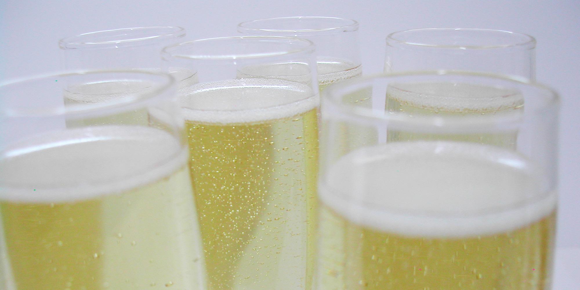 faux champagne en résine pour décor, vitrine, accessoire de cinéma