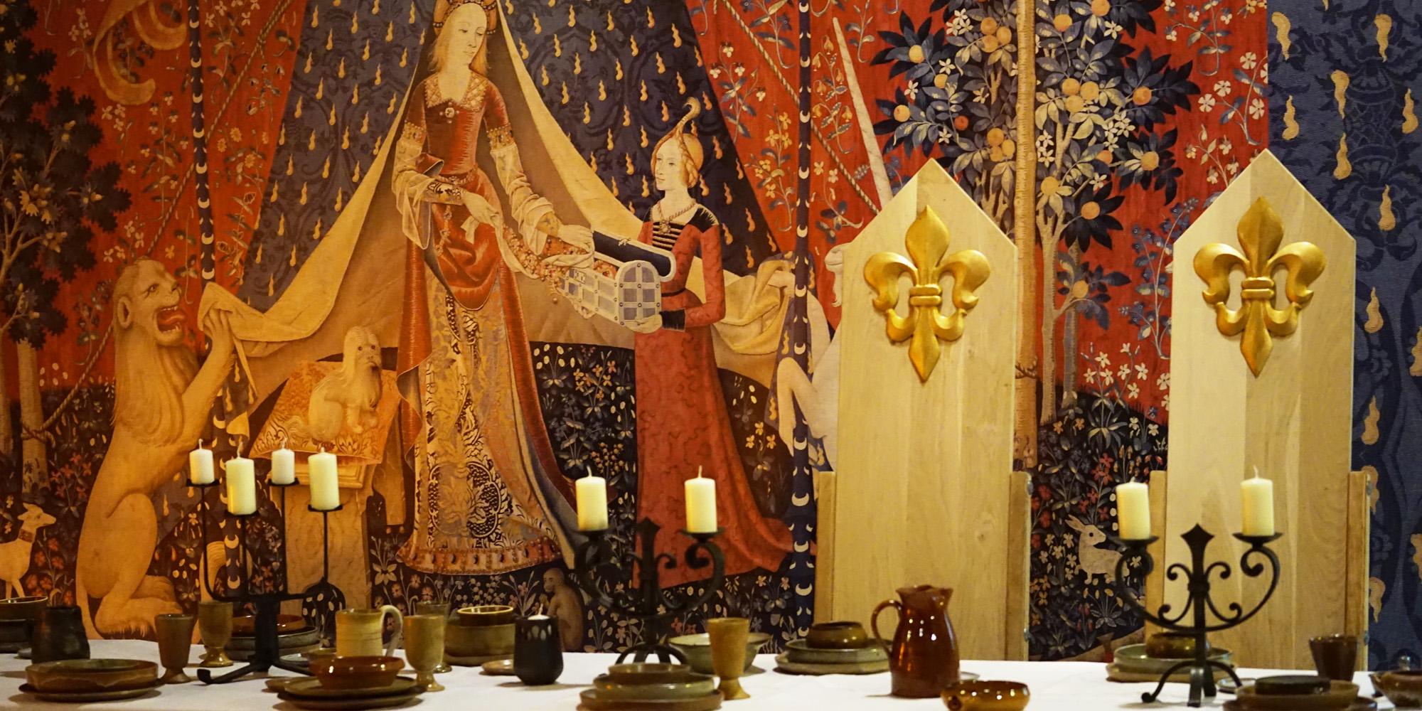 reconstitution allegorique d'un banquet medieval pour evenementiel et tournage