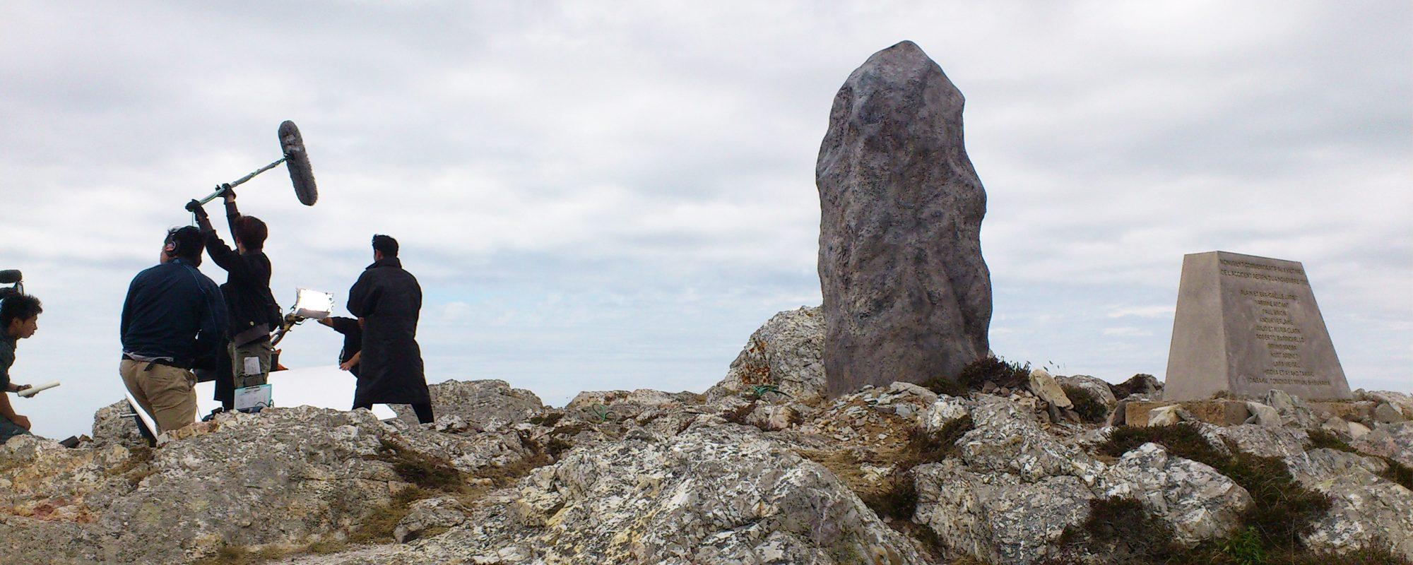 sculpture de menhir réalisé en polystyrène et résine