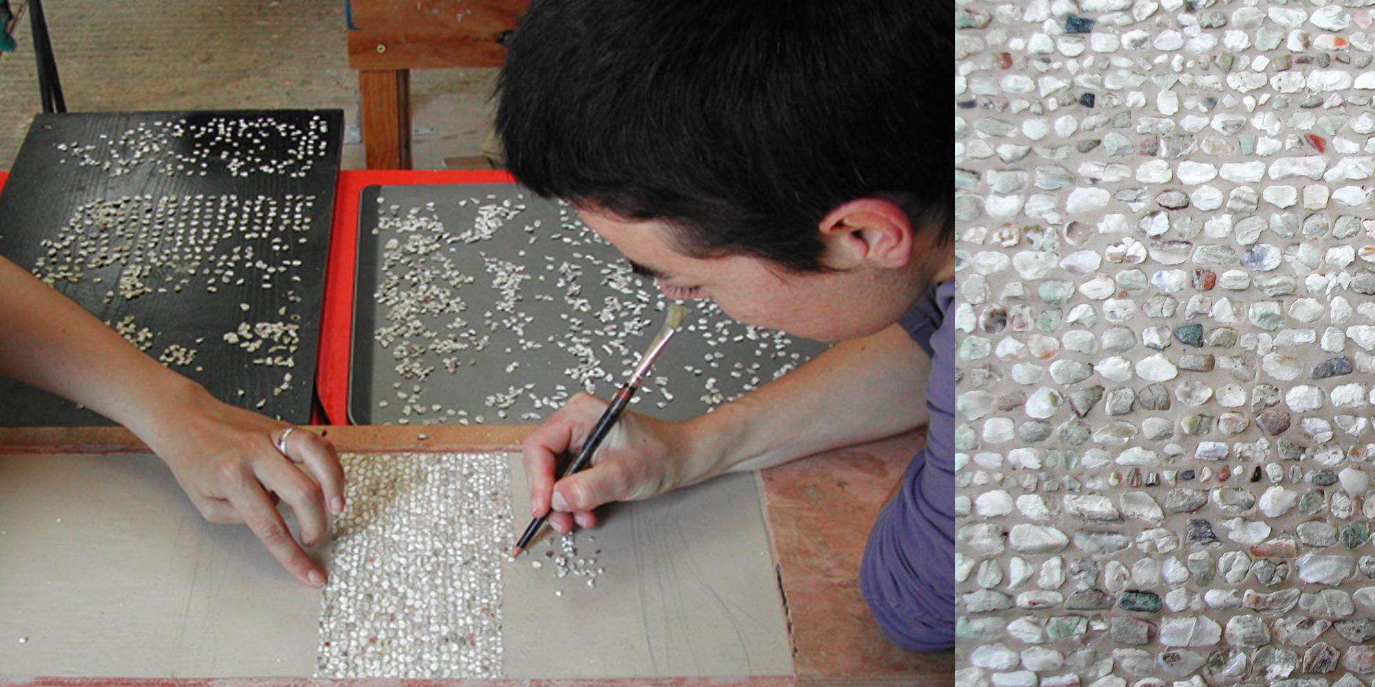 etape de travail crétaion murs du donjon de sainte suzanne en maquette décor