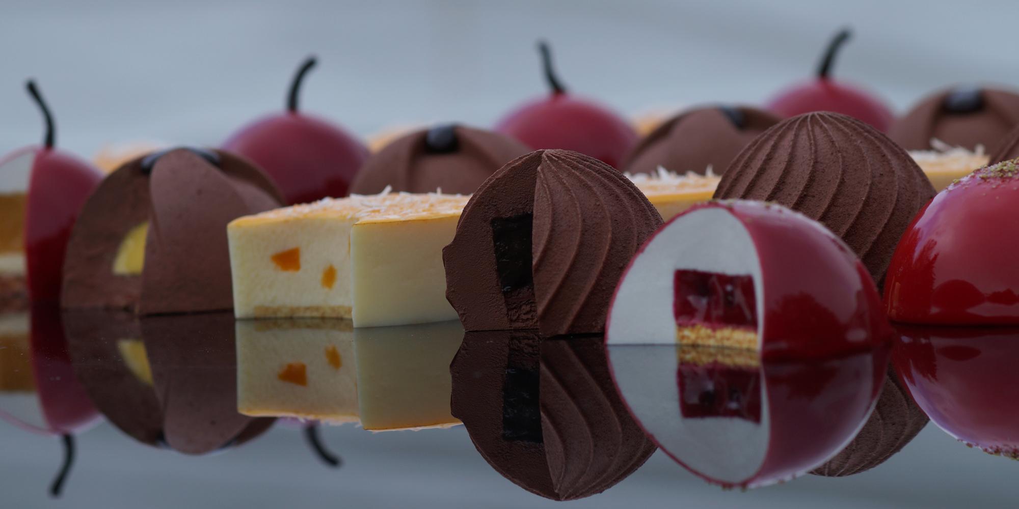 gâteaux et pâtisseries factices alimentaires en résine réalisées par l'Atelier Cobalt Fx